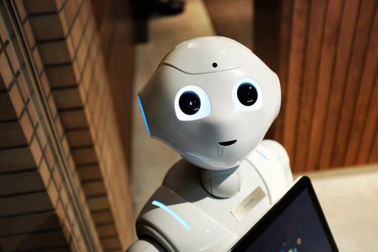 robots making l