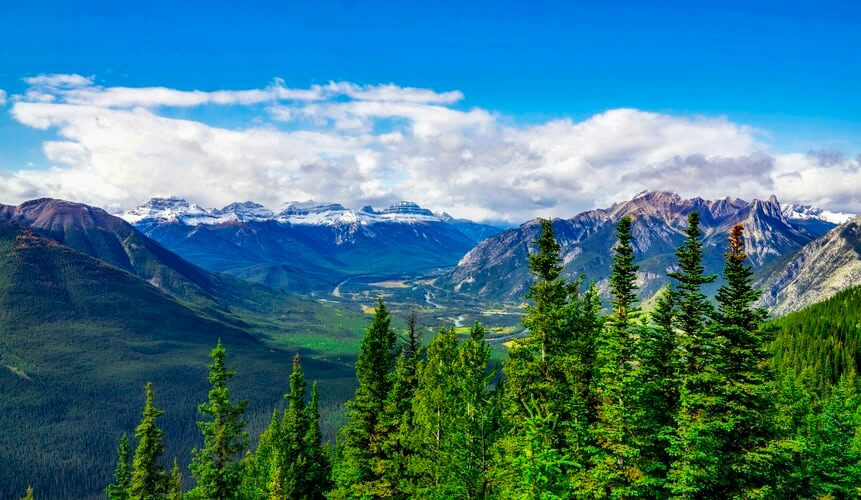 Beautiful Canadian mountains lanscape - Hiking on the beautiful mountain for adventure