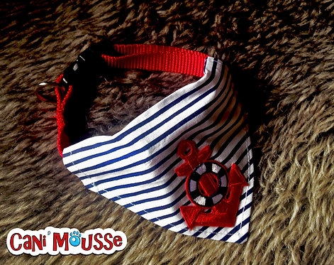 Collier bandana pour chien marin rayures bleues