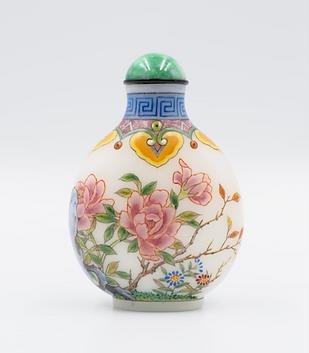 Enameled Glass snuff bottle, D.D Art. You Fenghua