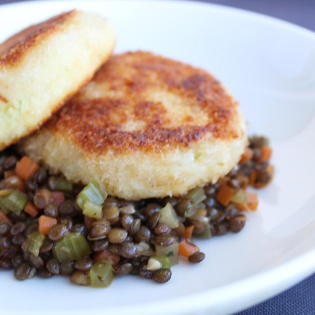 Panko potato cakes with Puy lentils.JPG