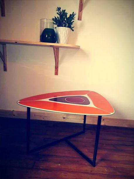 table appoint résine pieds carbone.jpg
