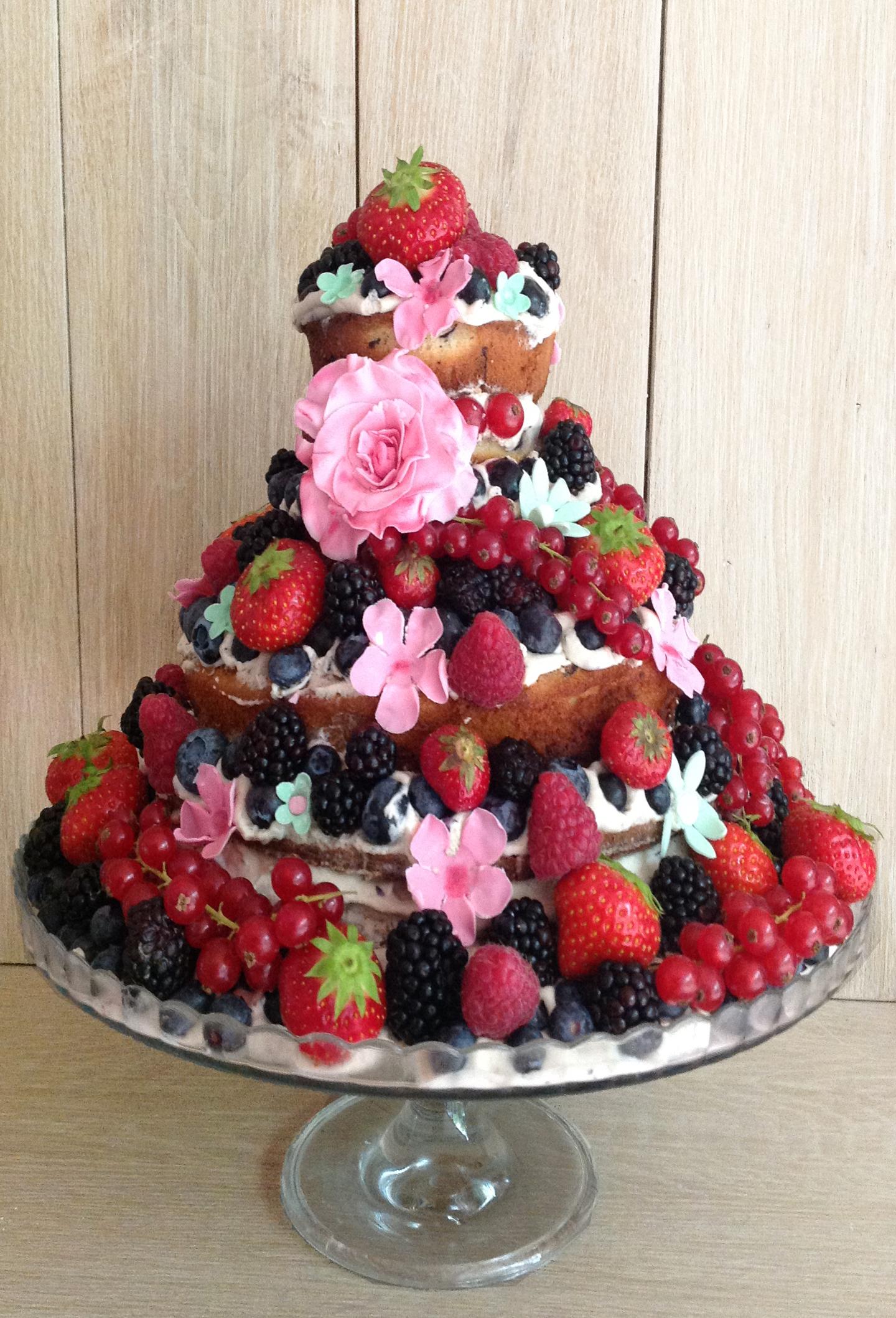 nude cake by Caramel Salé