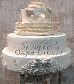 off white wedding cake