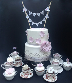 vintage weddingcake by Caramel Salé