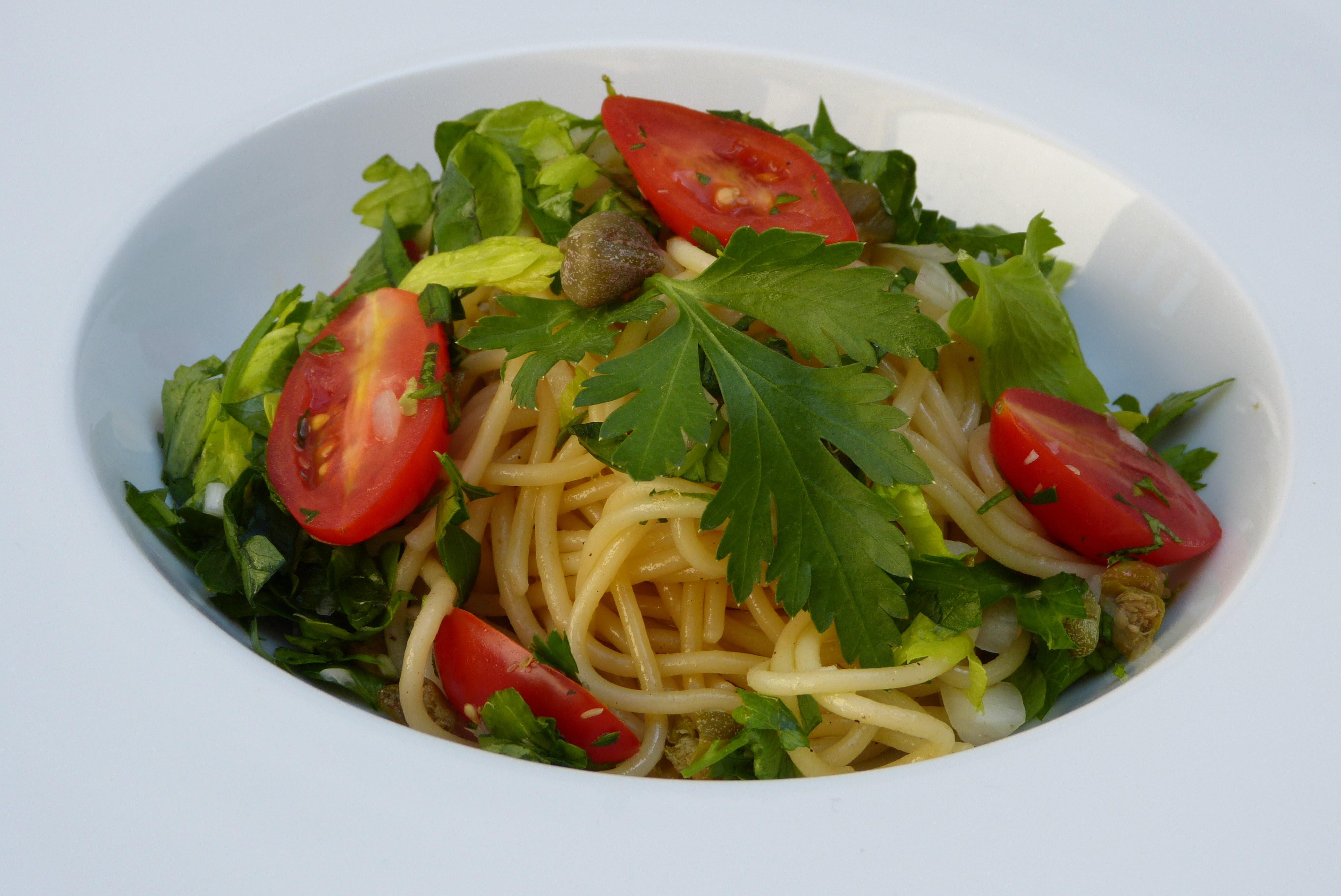 spaghetti sugo al pomodoro freddo