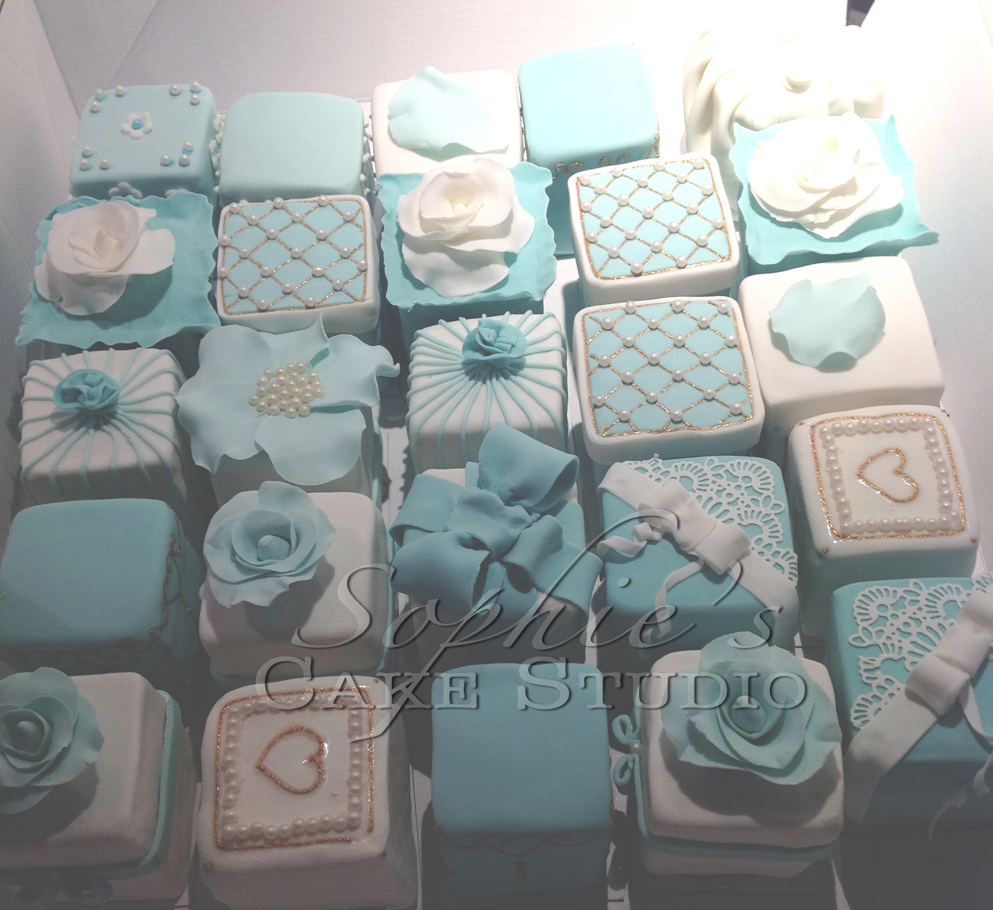 Tiffany mini wedding cakes