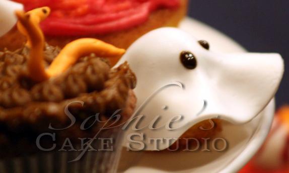 halloween cupcakes detail watermark.jpg