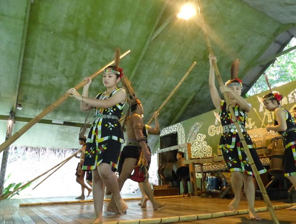 Mari Mari cultural village dance show