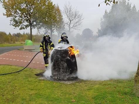 Mülltonne brannte auf Autobahn Rastplatz