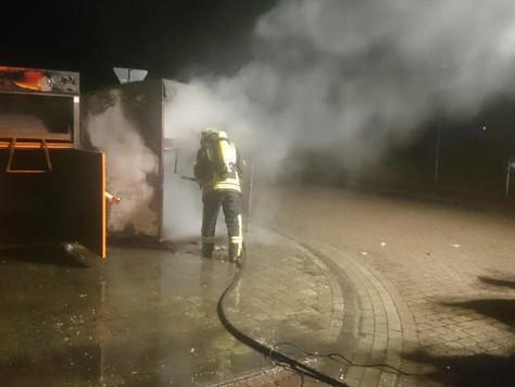 Insgesamt sieben Altkleidercontainer in Ostrhauderfehn ausgebrannt