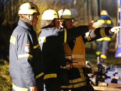 Einsatz am Badesee – Gemeinsame Übung von Feuerwehr und THW