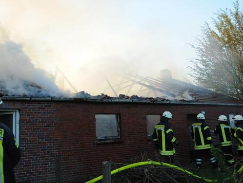 Gebäude in Hatzum durch Feuer schwer beschädigt