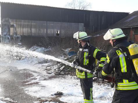 Traktor in Veenhusen ausgebrannt