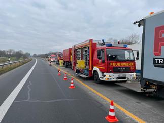 Einsatz des Gefahrgutzuges auf der A280
