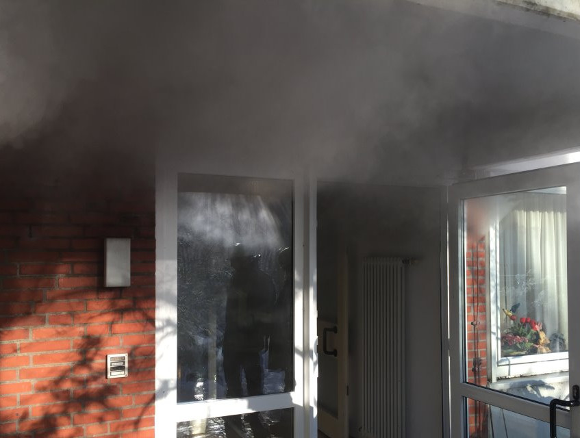 Über den Hausflur stieg der Rauch ins Freie und ins Obergeschoß