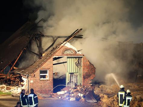 Scheune in Schwerinsdorf komplett ausgebrannt