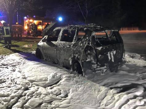 Mercedes in Detern vollständig ausgebrannt