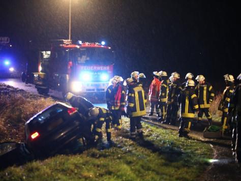 Einsatzkräfte nach Verkehrsunfall angegriffen
