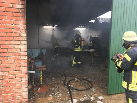 Werkstatt auf landwirtschaftlichen Hof in Kleinsanderausgebrannt
