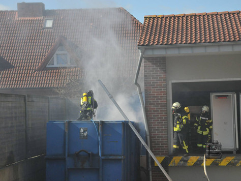 Betriebsgebäudebrand beim Discounter gemeldet