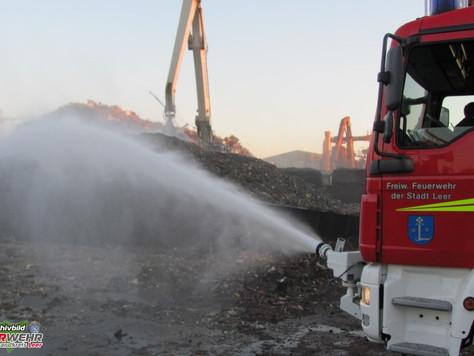 Feuer auf Gelände eines Schrottverwerters in Leer