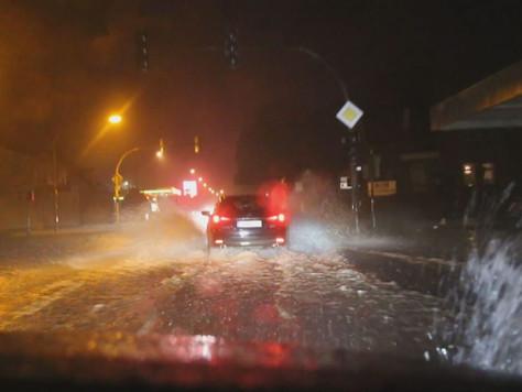 Wasserschäden und Blitzeinschlag