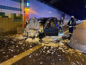Fahrzeugbrand im Emstunnel