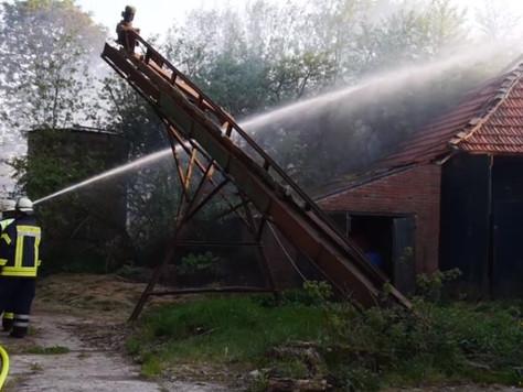 Feuer auf landwirtschaftlichem Betrieb
