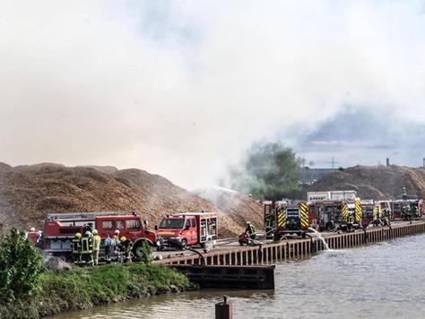 Großbrand in Papenburg - Unterstützung auch aus dem Landkreis Leer