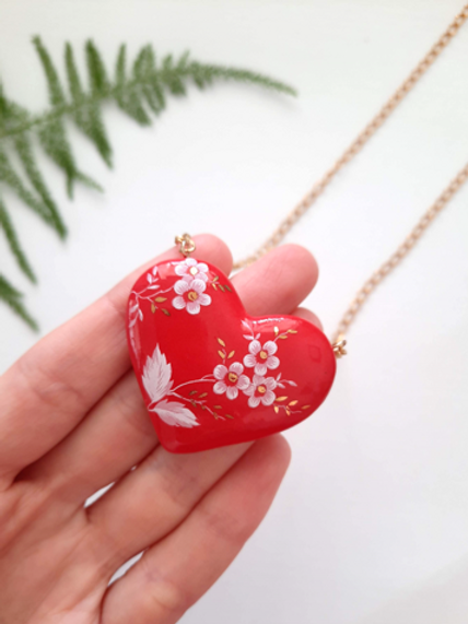 HEART NECKLACE - RED WITH WHITE FLOWERS