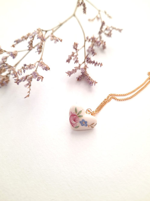 SMALL WHITE HEART WITH FLOWERS  DECORATED NECKLACE