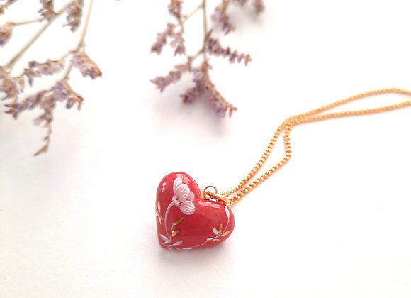SMALL MAROON DECORATED HEART NECKLACE