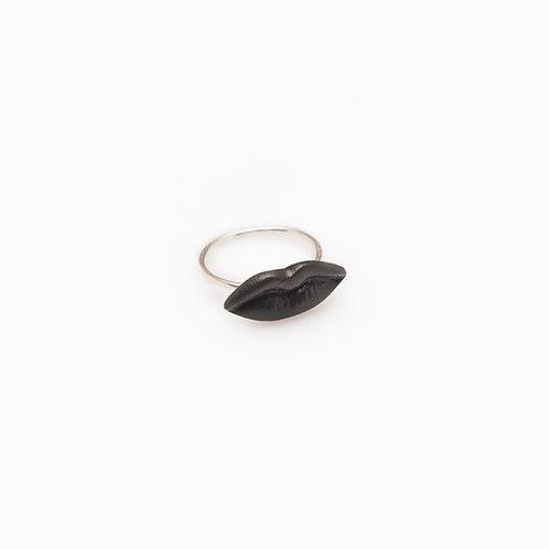BLACK S RING
