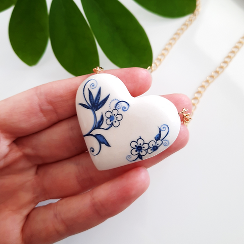HEART NECKLACE - WHITE WITH COBALT FLOWERS