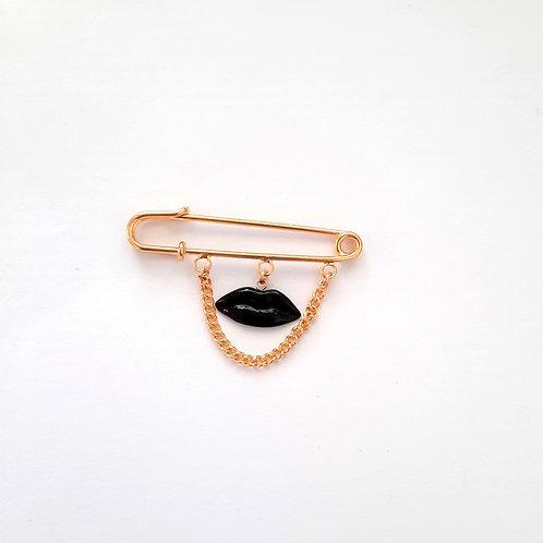 BLACK LIPS BABY PIN