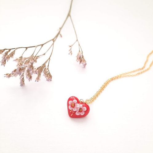 SMALL RED DECORATED HEART NECKLACE