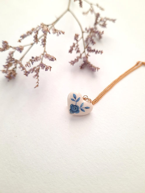 SMALL WHITE HEART WITH COBALT  DECORATED NECKLACE