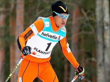 Esquiador Adrián Solano estrena su página web