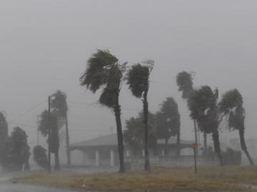 Huracán Harvey deja cinco muertos en Houston