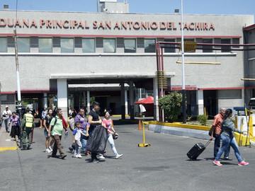 Suspenden sellado de pasaportes para entrar y salir de Venezuela