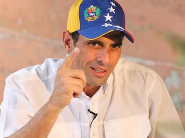 Capriles criticó que el gobierno invierta divisas para apoyar a Pastor Maldonado