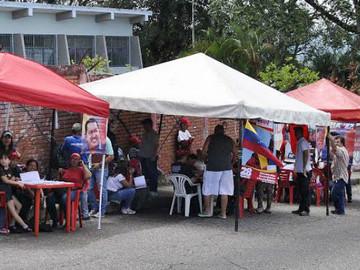 Encuestadoras dan por perdedor al chavismo el 6D