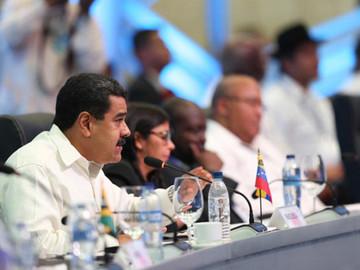"""Maduro confía que proceso de diálogo """"devolverá la estabilidad a Venezuela"""""""