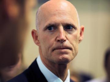 Anonymous pide la renuncia al gobernador de Florida