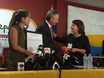 Mitzy Capriles Visitó Doral Y Fue Reconocida Por El Alcalde