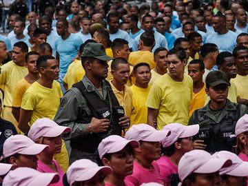 Venezuela, el país donde sacan a los presos a la calle para protestar contra RR