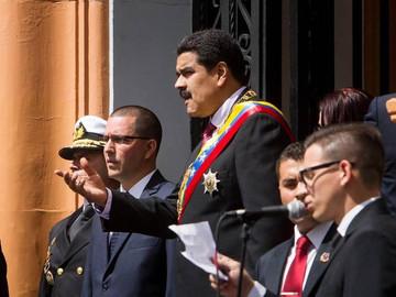 Maduro juega al caos inconstitucional tras derrota electoral