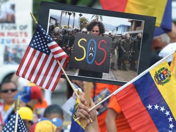 EEUU continúa rechazando cualquier tipo de violencia en Venezuela