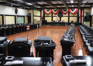 Parlamento de Costa Rica emitió moción de censura contra Maduro